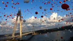 В Стамбуле с помпой открыли третий мост через Босфор
