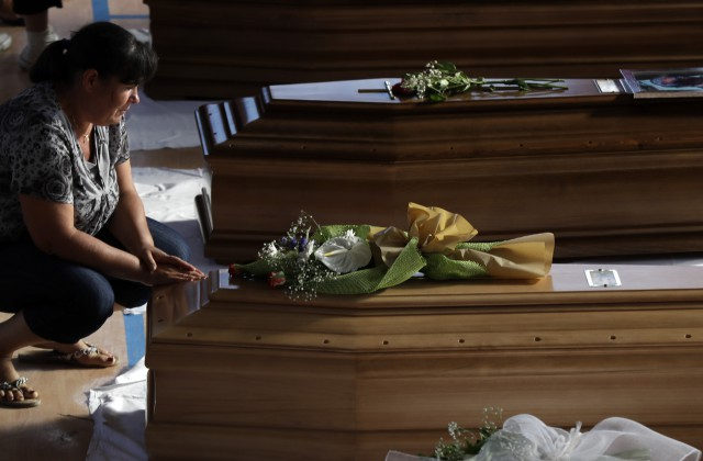 Количество жертв землетрясения вИталии возросло до281 человека