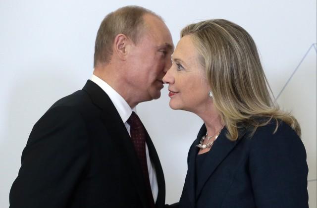 «Путин хохочет над Клинтон»— Трамп