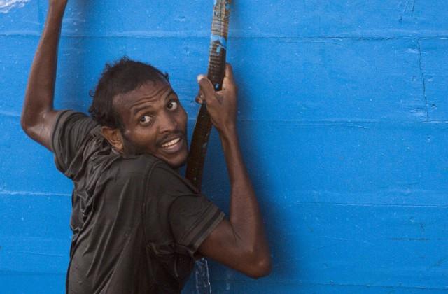 ВКале построят стену для защиты отмигрантов