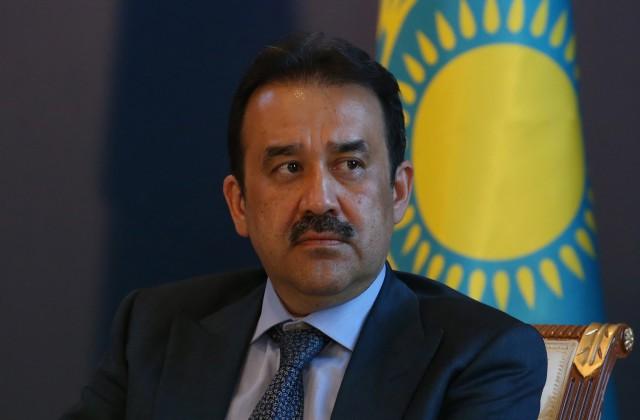 Президент Казахстана Нурсултан Назарбаев сократил премьера страны
