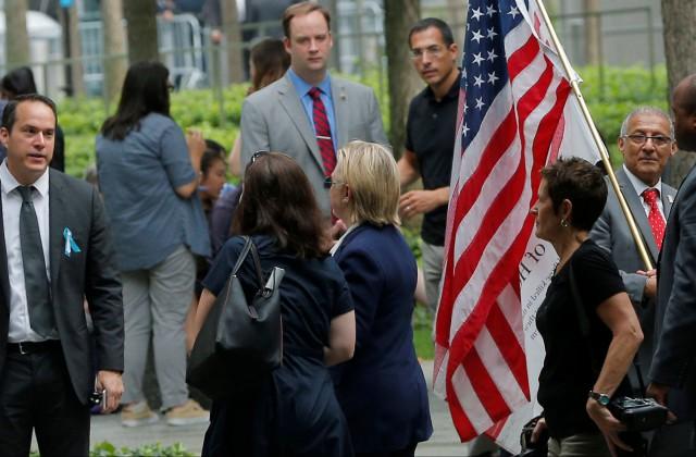 Кандидат впрезиденты США Клинтон покинула церемонию «9/11» из-за резкого ухудшения здоровья