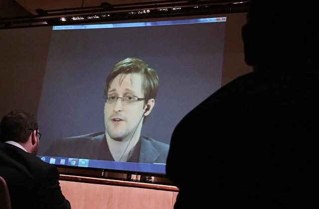 Сноуден попросил Обаму опомиловании