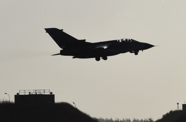 Самолёт-разведчик США приблизился к русской авиабазе вСирии
