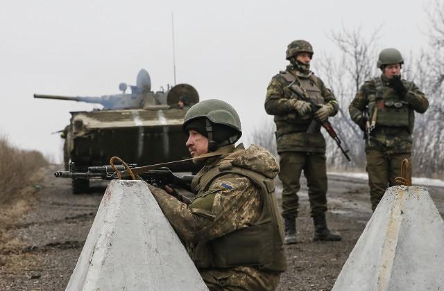 Украина расширит санкции научастников в«выборах» вКрыму— Порошенко