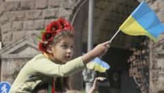 Опрос: украинцы против разрыва отношений с РФ
