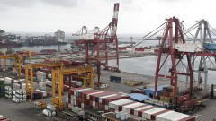Россия перенаправит все грузы из портов стран Балтии в свои порты
