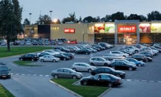 Латвийские супермармаркеты: 55 миллионов владельцам, 340 евро - кассиру
