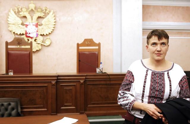 Надежда Савченко прилетела в РФ насуд над 2-мя украинцами