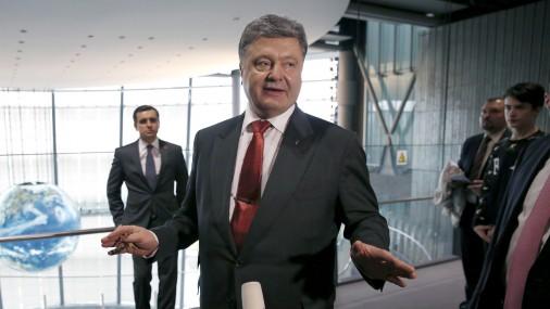 СМИ: Послы G7 написали гневное письмо Порошенко