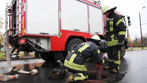 В Пиньки произошел крупный пожар на деревообрабатывающем предприятии