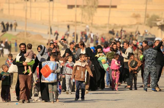Исламские боевики экстремистской группировки подожгли 19 нефтяных скважин впроцессе отступления изМосула