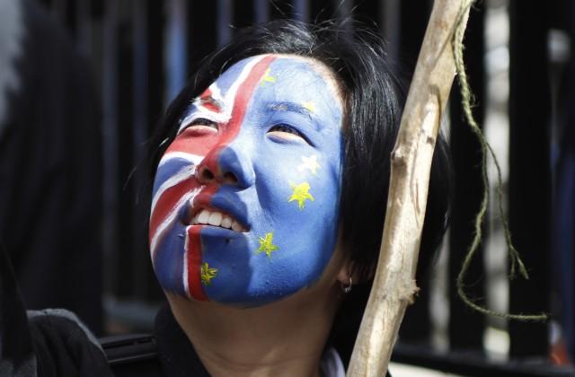 График выхода Великобритании изЕС неизменен, невзирая нарешение суда— премьер