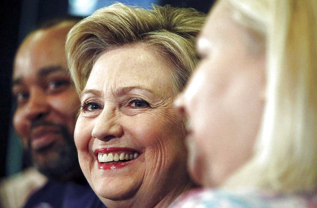 Бывшего кандидата впрезиденты встретила влесу жительница Нью-Йорка