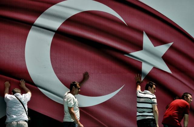 Изпарламента Турции отозвали законодательный проект оранних браках вслучае изнасилования