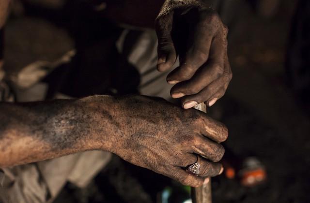 ВКитайской республике под завалами умер 21 шахтер