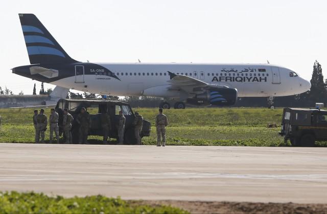 НаМальте неизвестными захвачен ливийский самолёт с118 людьми наборту