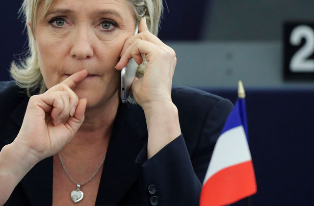 ЛеПен назвала миграционную политику Меркель аварией