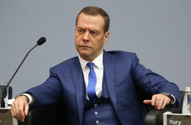 Медведев: Пора распрощаться силлюзиями оботмене санкций