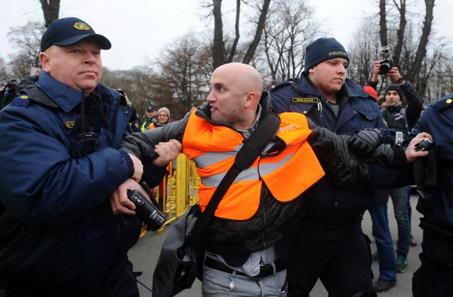 Грэма Филлипса прогнали из английского парламента завопросы обУкраине