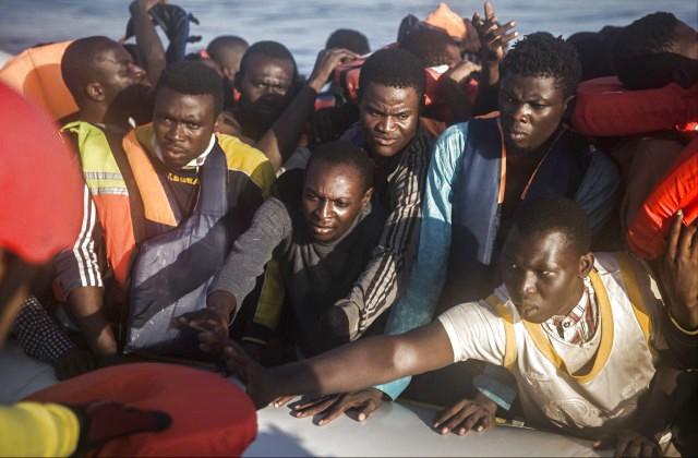 1300 беженцев спасены вСредиземном море