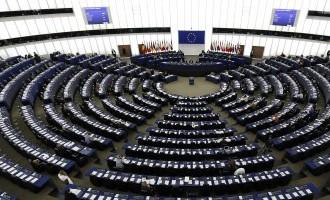 СМИ: Неграждане Латвии и Эстонии могут получить право выбирать Европарламент
