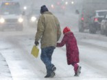 Соль на улицах: портят ли реагенты обувь и автомобили?