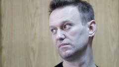 Навальный заявил, что может ослепнуть на один глаз от зеленки