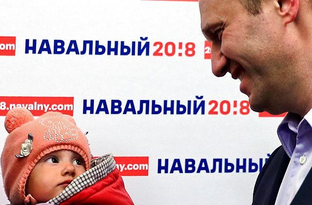 Владимирским учащимся грозят изъятием изсемьи запосещение штаба Навального