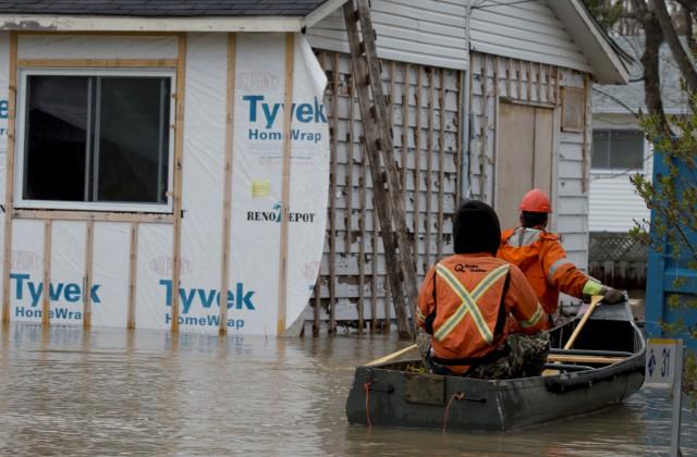 ВКанаде эвакуировали практически 800 человек