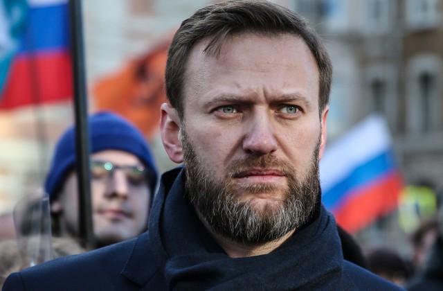 Навальный улетел вБарселону