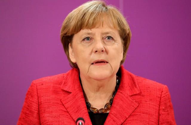 Меркель обещает Великобритании штрафы за ограничения на въезд граждан ЕС