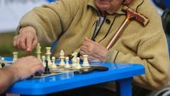 Социологи: хотим большие пенсии, а налоги платить не хотим