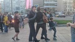 В центре Москвы задержали ребенка за чтение «Гамлета»