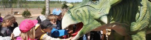 «А вы уже были на динозаврах?»: латвийский парк Avārijas brigāde - хит лета 2017 (фото)