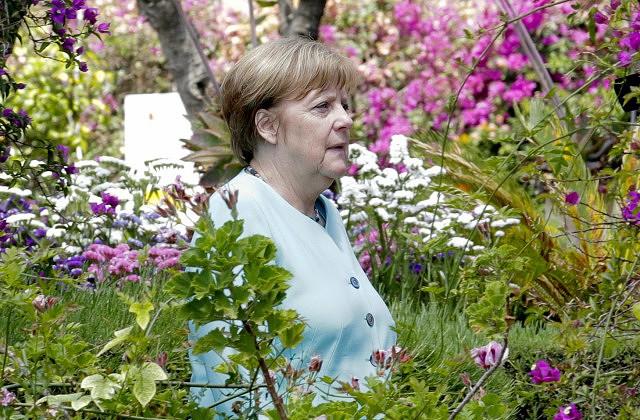 Меркель: ЕСможет рассчитывать только насебя