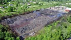 «Prima M» отказалась очищать территорию сгоревшей свалки в Юрмале: нет денег