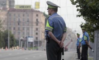 Теряя колеса, выбрасывая порошок и отстреливаясь: искрометная погоня по улицам Петербурга