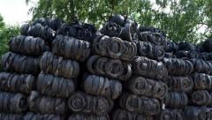 В Риге незаконно хранили 1000 тонн старых автопокрышек; их поручено до пятницы вывезти