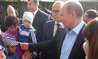 Жителям Ижевска рекомендовали зашторить окна и не выглядывать во время визита Путина