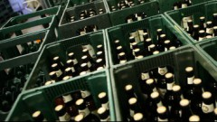 На границе задержали финнов с 330 литрами пива и 30 литрами водки из Латвии