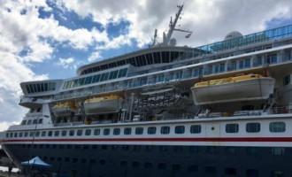 В Риге гостил знаменитый корабль Balmoral, повторивший путь «Титаника»