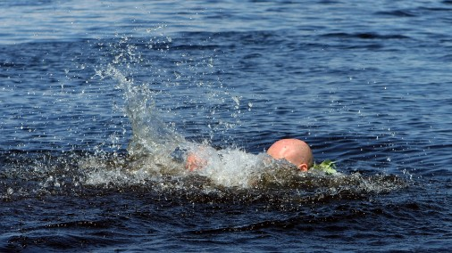 Эмоциональный рассказ очевидца: Женщина утонула, полицейский наблюдал, «скорая» заблудилась