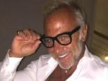 Зажигательные танцы миллионера сделали его звездой Интернета