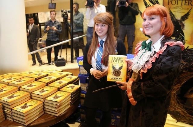 Джоан Роулинг выпустит три новые книги овселенной Гарри Поттера