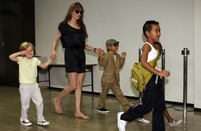 Анджелина Джоли работает слегендарным менеджером покризисным ситуациям