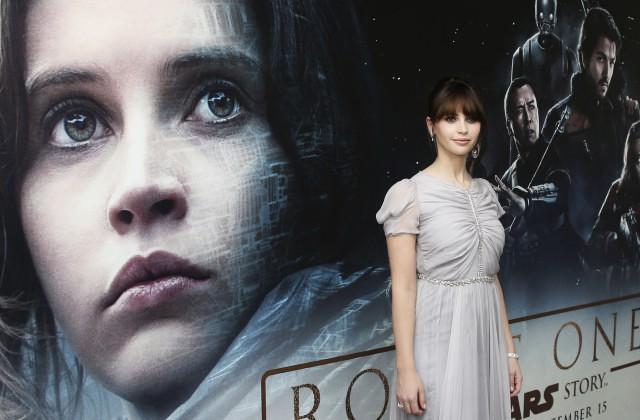 Фильм «Звездные войны» собрал неменее $100 млн задва дня проката