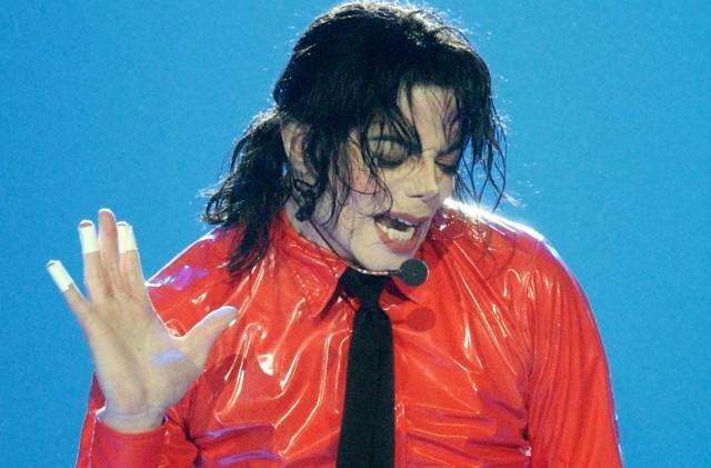 Дочь Майкла Джексона считает, что отца убили