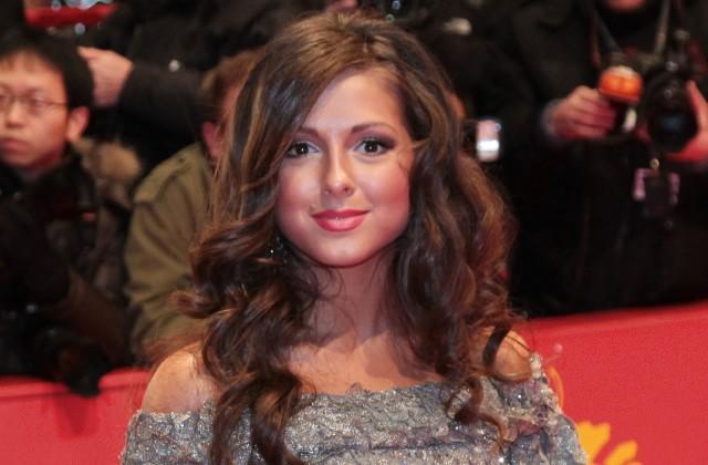 26-летняя эстрадная певица Нюша беременна первенцем