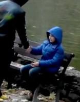 Как педофилы средь бела дня похищают в Риге детей